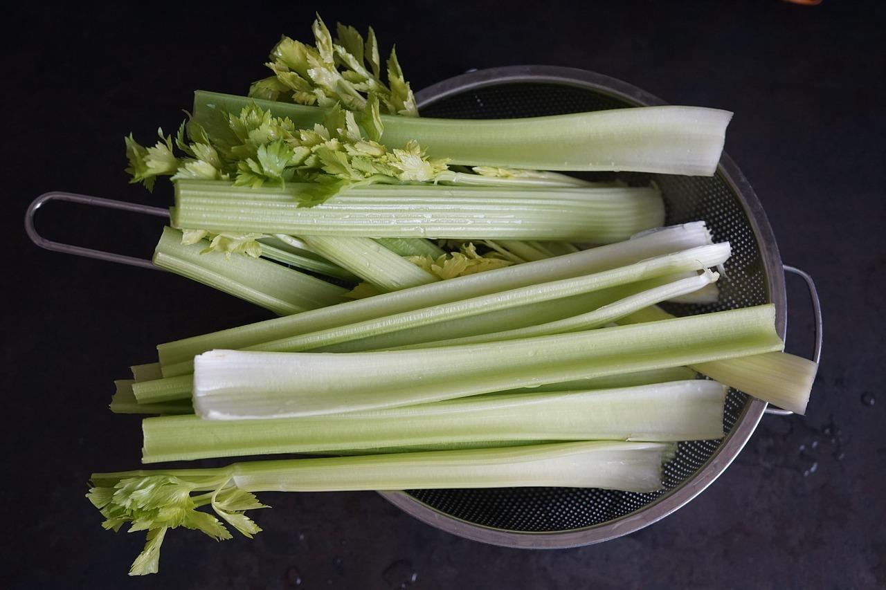 How Celery Juice Can Reduce Acne